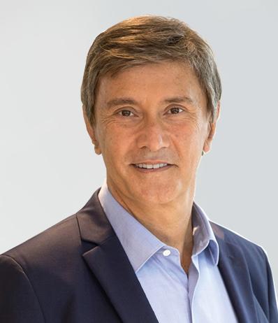 Francois Dossa Headshot