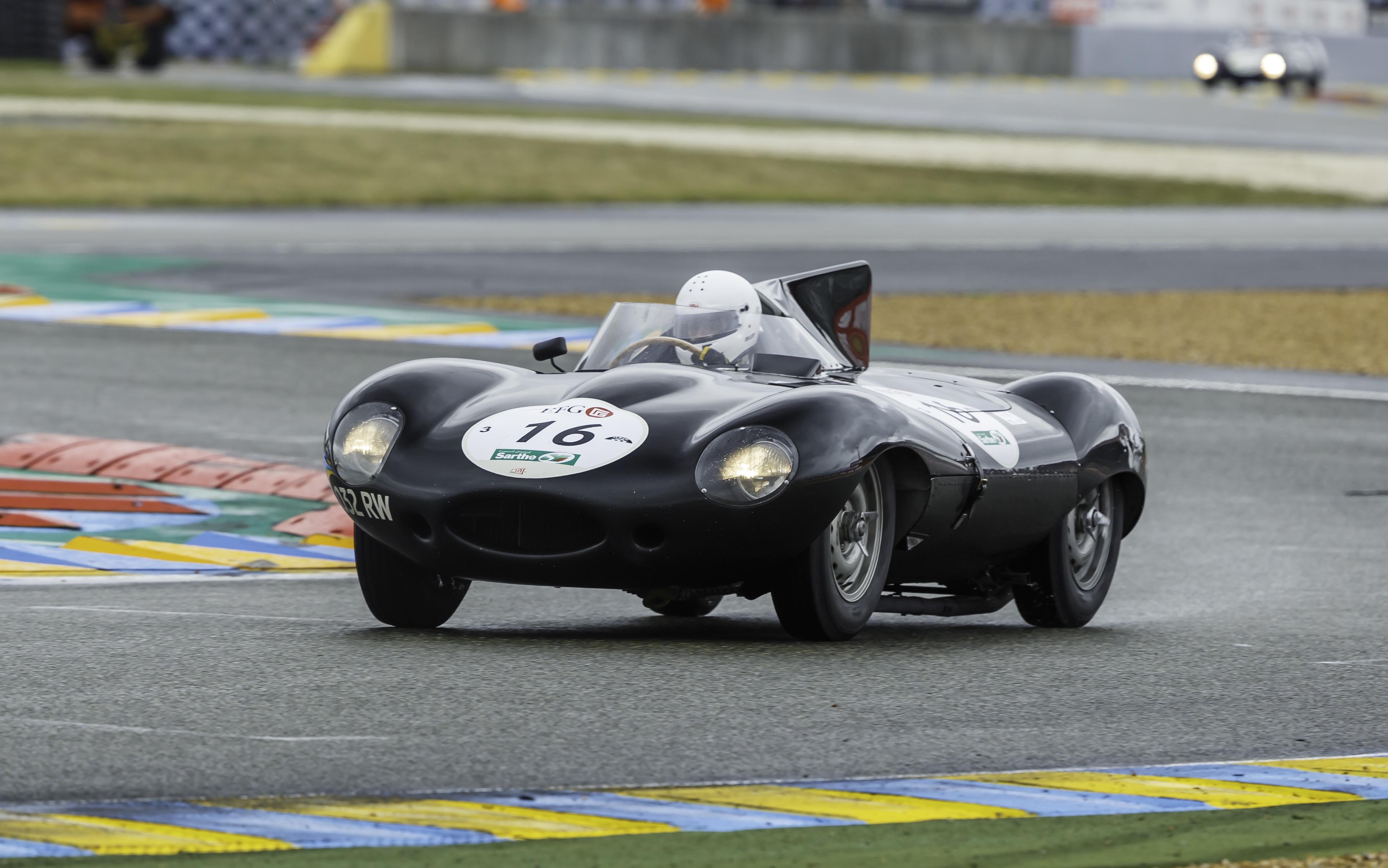Jaguar F-TYPE PROJECT 7 Makes World Dynamic Debut as D ...