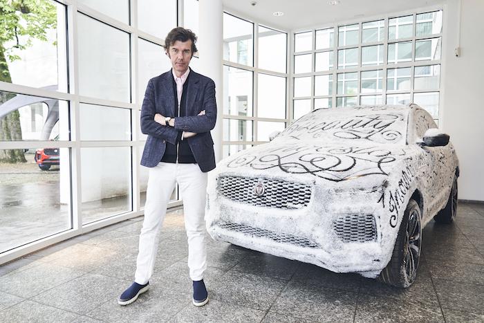 Jaguar präsentiert den legendären E Type und den SUV E PACE