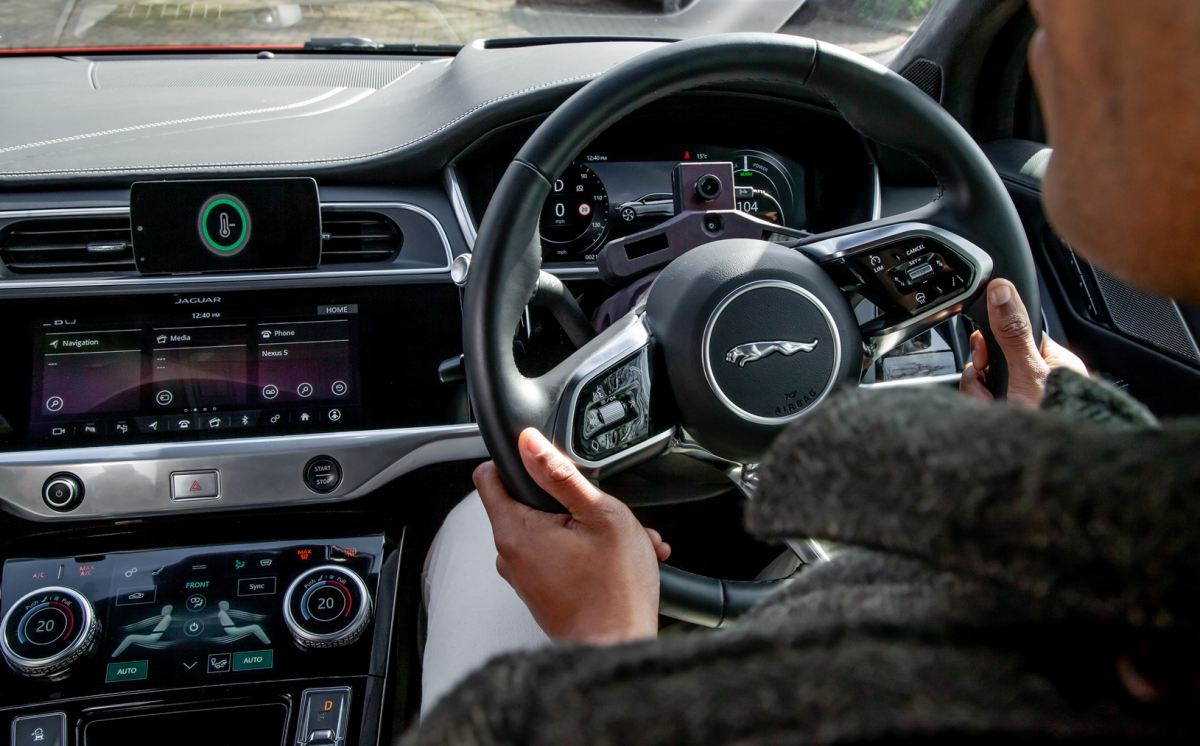 L'AUTO CHE SI ADATTA AL VOSTRO UMORE: LA NUOVA TECNOLOGIA JAGUAR LAND ROVER PER RIDURRE LO STRESS
