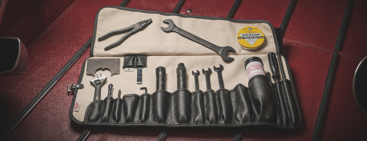 FINISHING TOUCH: JAGUAR CLASSIC REINTRODUCES ORIGINAL E-TYPE TOOLKIT