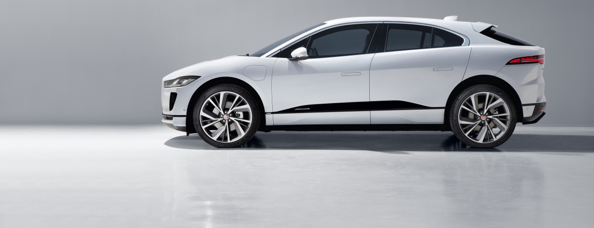 "LA JAGUAR I-PACE VINCE IL PREMIO ""GOLDEN STEERING WHEEL"" COME MIGLIOR SUV"