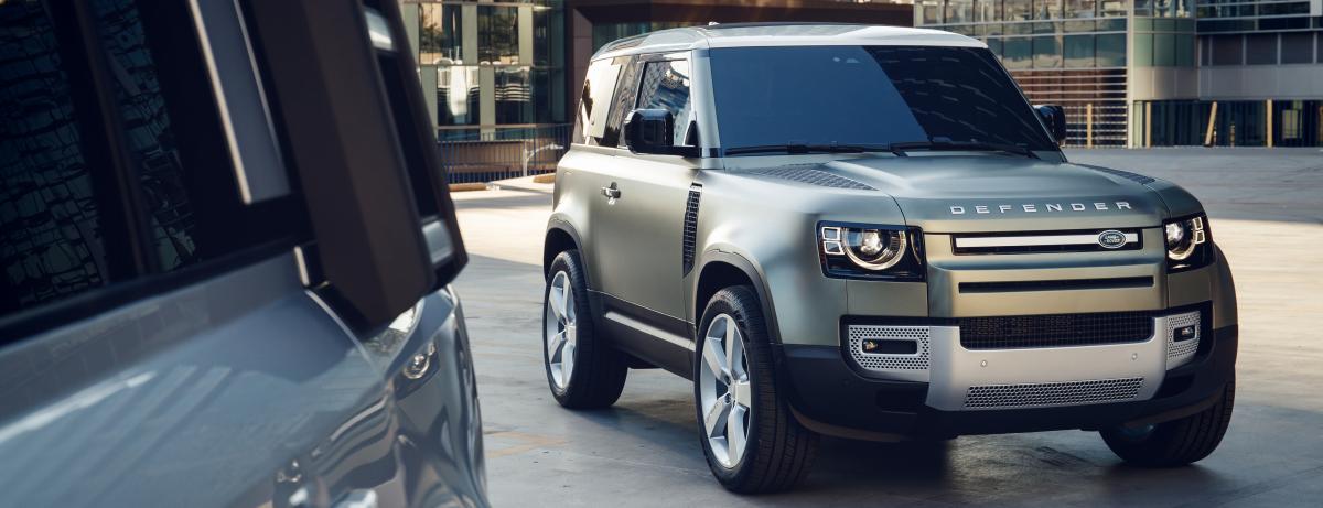 Die Geländewagen-Ikone kann ab sofort auch in der kürzeren Version als Dreitürer zu Preisen ab 49.700.- Euro bestellt werden