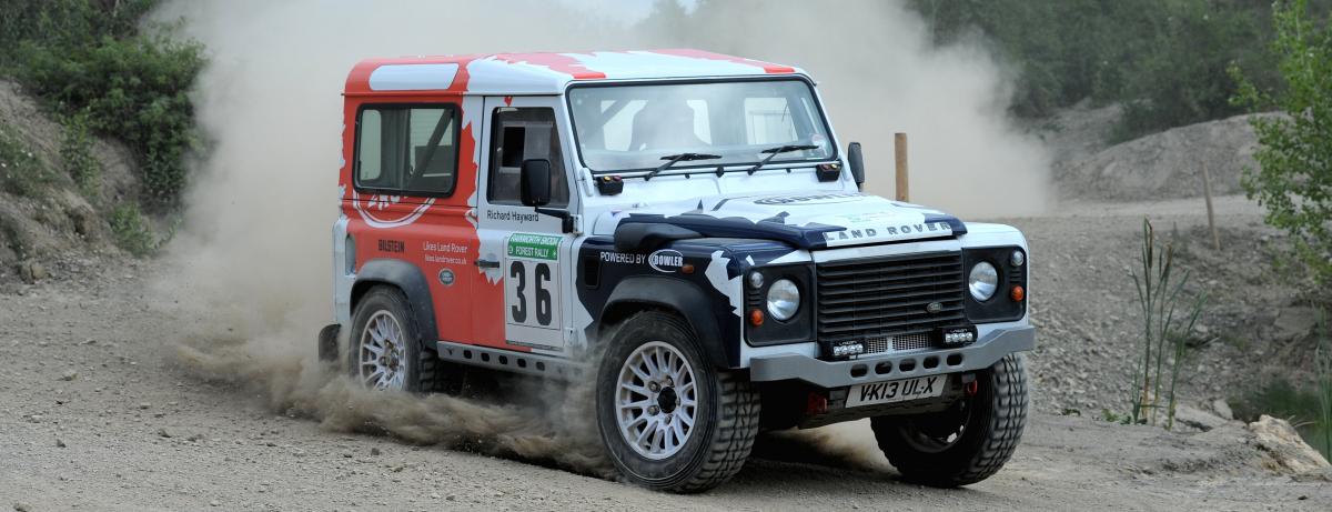 Die weltberühmte Silhouette des Ur-Defender lebt weiter: Land Rover lizensiert Bowler die Nutzung der ikonischen Form