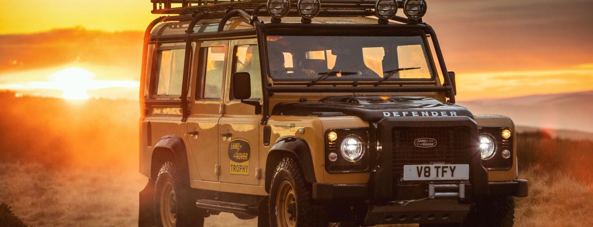 Bereit für Expedition und Abenteuer: Land Rover Classic  präsentiert exklusives Sondermodell Defender Works V8 Trophy