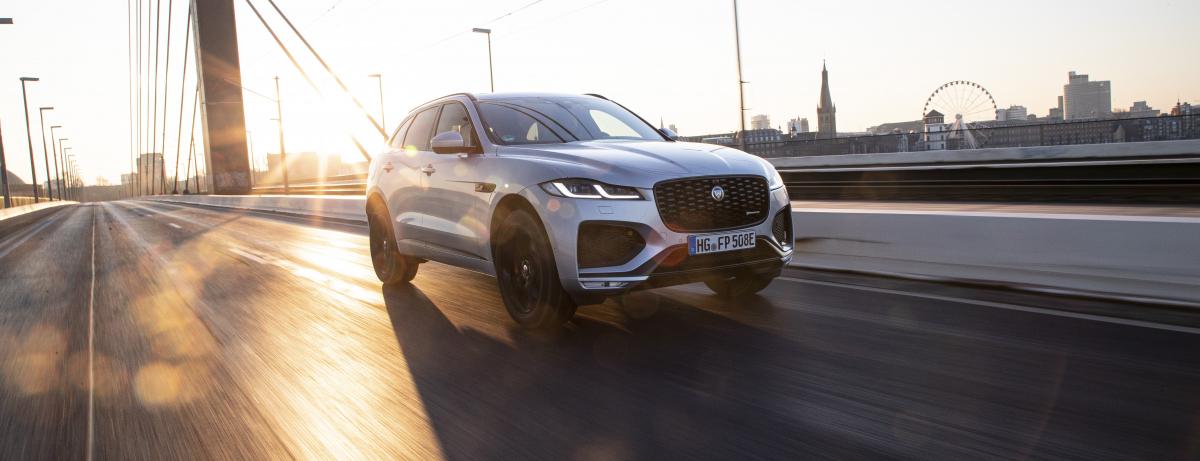 Luxuriöser, vernetzter und umfangreich elektrifiziert startet der Jaguar F-PACE in Deutschland