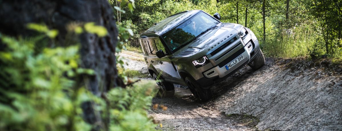Ausgiebig Offroad und Abenteuer-Camping: Land Rover lädt zu Adventure Camps ins Land Rover Experience Center
