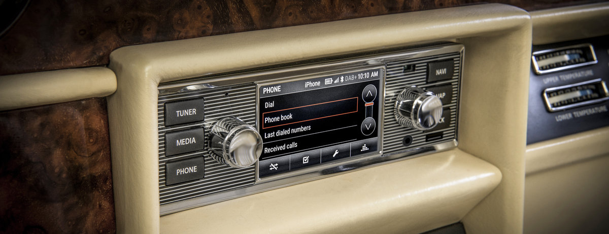 Jaguar Land Rover Classic Brings Modern Infotainment To Classic Cars