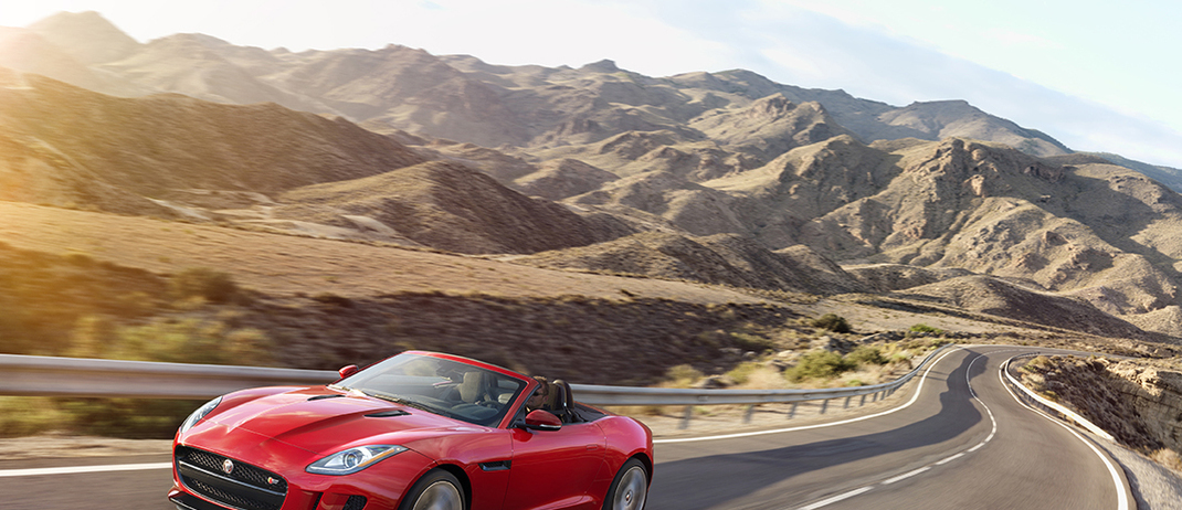 2016 F-TYPE Gains All Wheel Drive and Manual Transmission