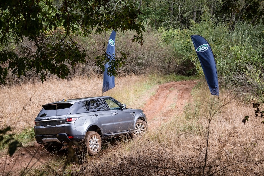 LAND ROVER SHOWCASES LATEST MODELS AT OVERLAND EXPO EAST