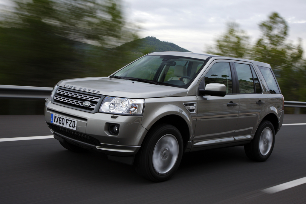 Land Rover Offers Customers More Choice With Efficient 2011