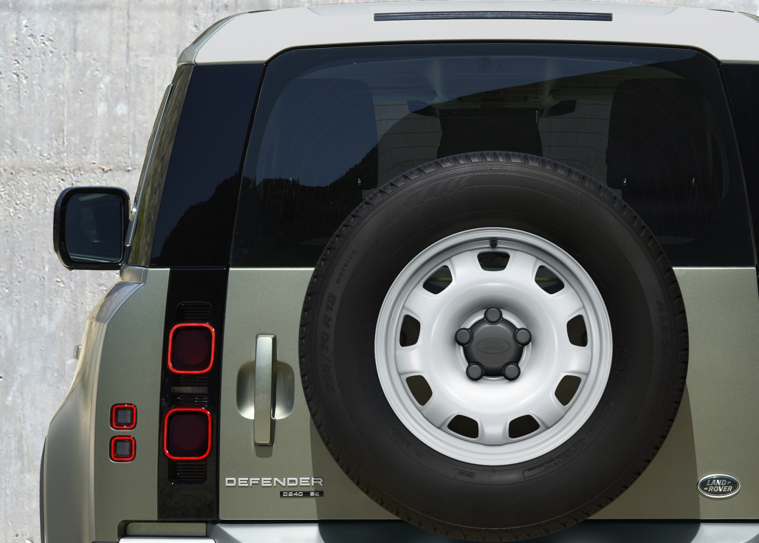 ATTENTION TO DETAIL: THE NEW LAND ROVER DEFENDER
