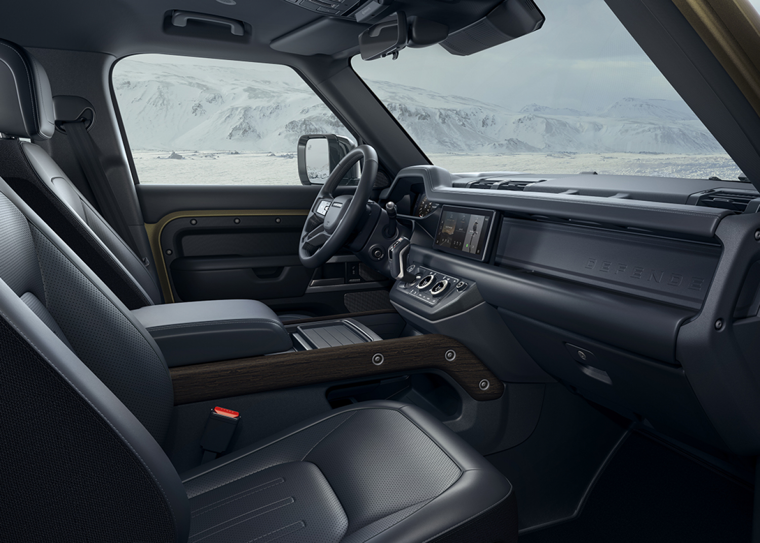 PURPOSEFUL INTERIOR: THE NEW LAND ROVER DEFENDER