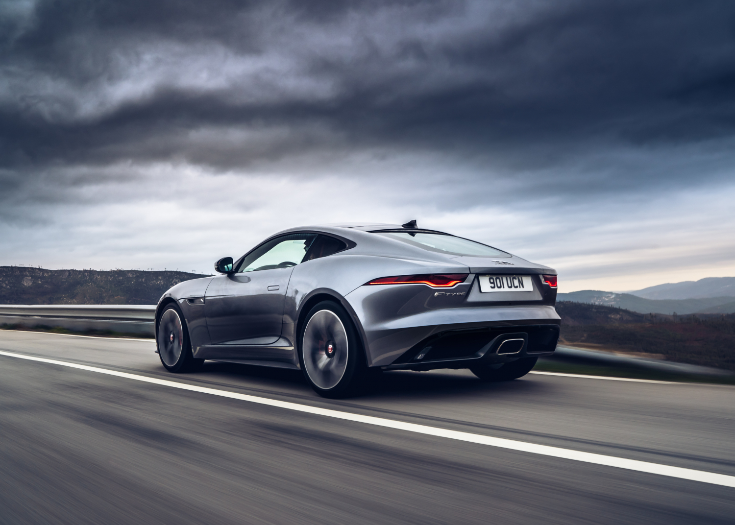 Seamless Playback: Embedded Spotify Brings Music to the Ears of New Jaguar F-type Drivers – and all Sota-equipped Jaguars - Image 1