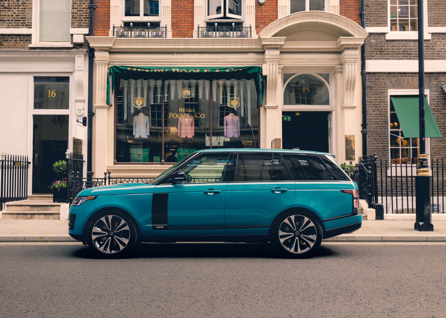 Land Rover and Henry Poole Create Unique Fabric to Celebrate 50 Years of Range Rover - Image 1