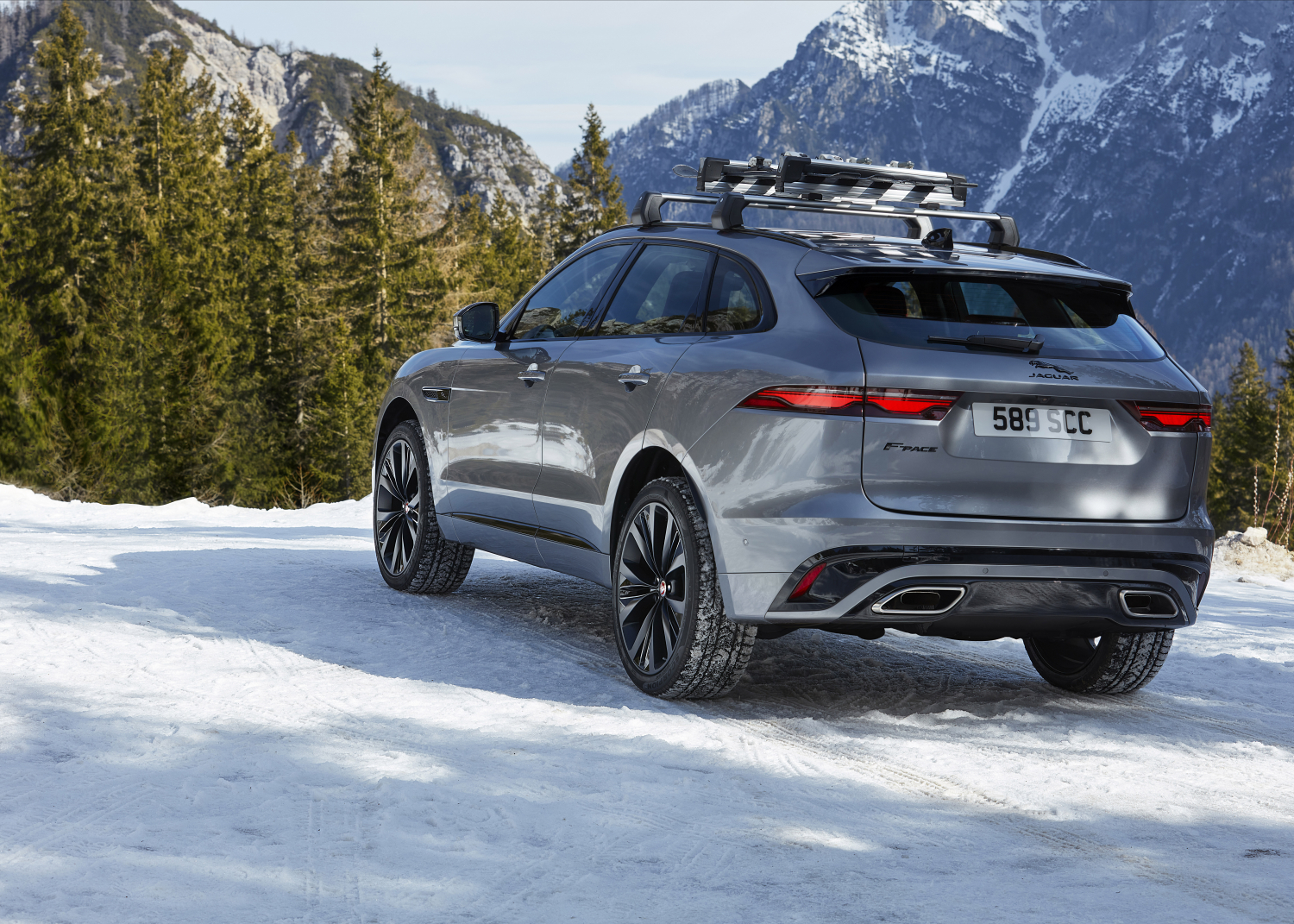New Jaguar F Pace Luxurious Connected Electrified Jlr Corporate Website