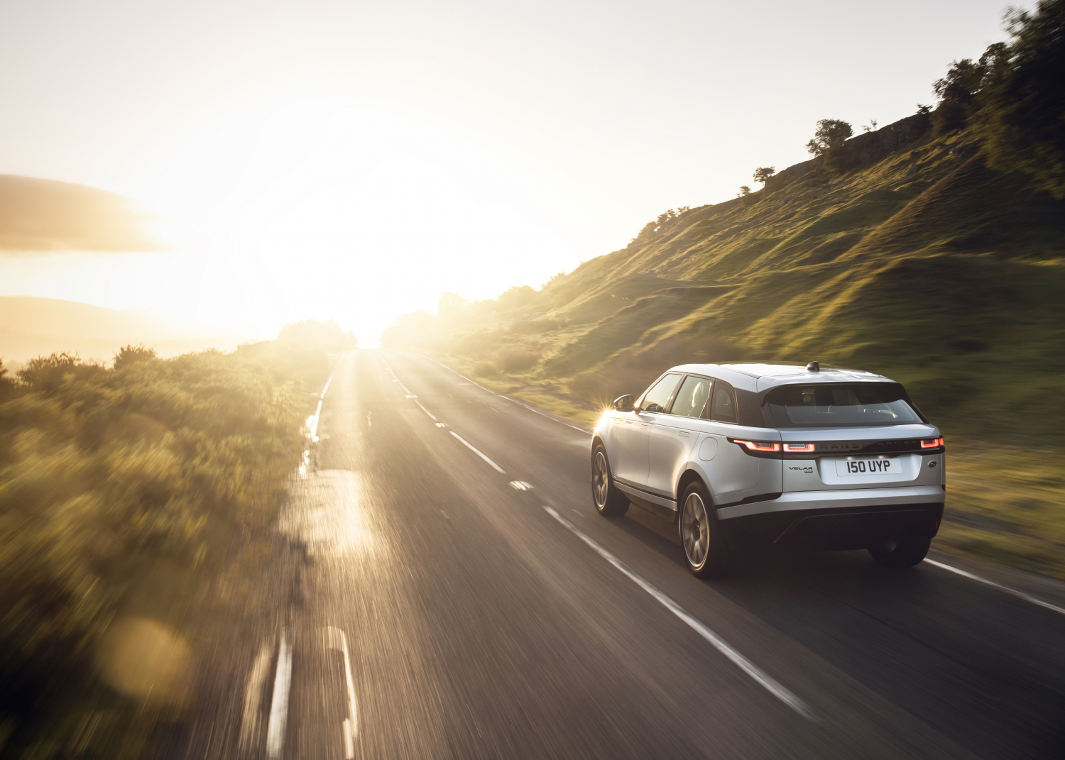 Range Rover Velar Electrifies with Plug-in Hybrid and State-of-the-art Infotainment - Image 3