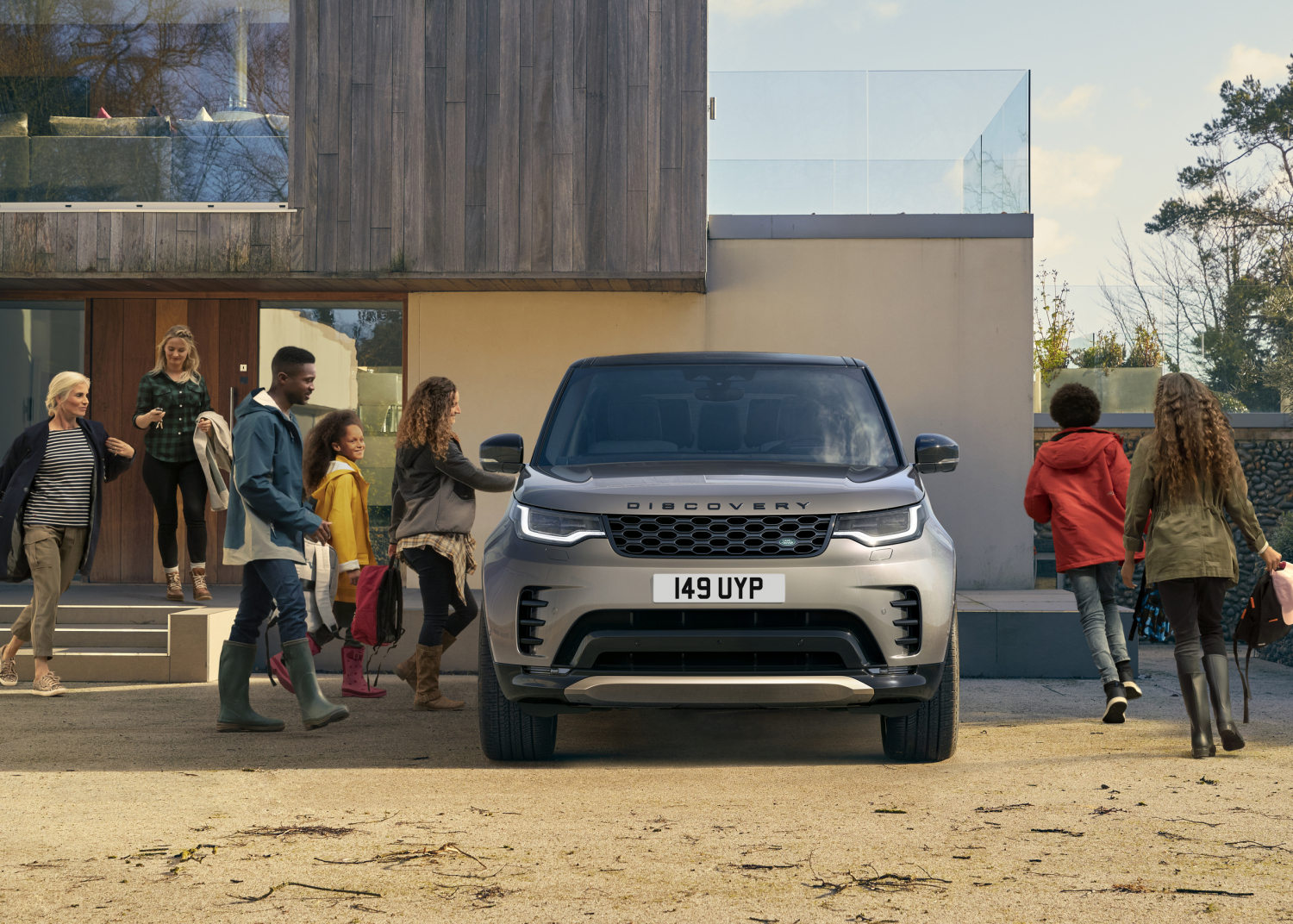 Project Discovery: Land Rover Commissions Global Research Revealing Importance of Close Family Ties, Curiosity and Exploration - Image 2