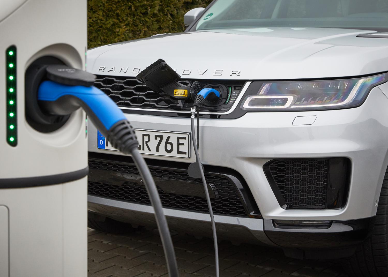 Bestseller unter Strom: Range Rover Evoque und Land Rover Discovery Sport mit Plug-in Hybrid hocheffizient unterwegs