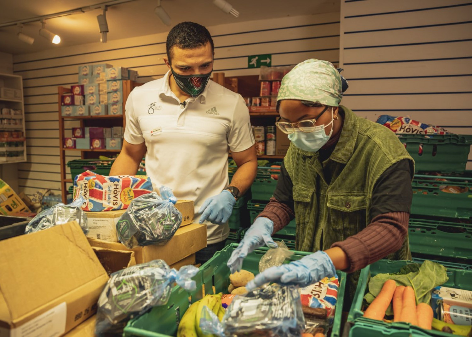 Rugby Legend Bryan Habana and Land Rover Support Red Cross in Coronavirus Pandemic - Image 2