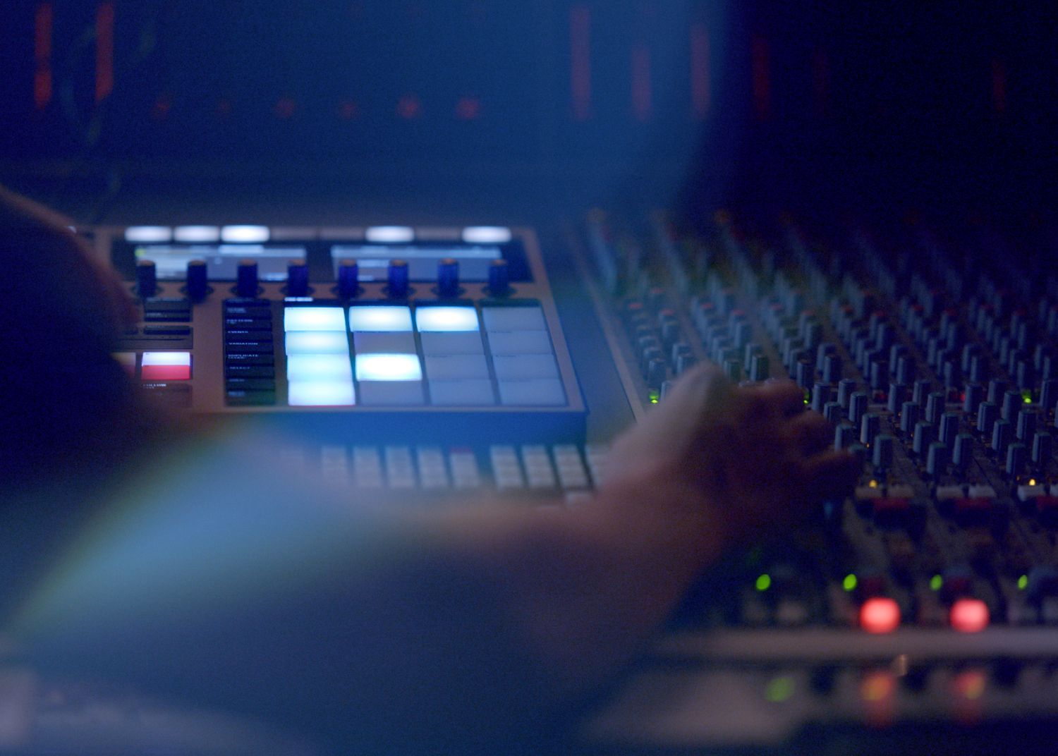 DJ Producer MK takes centre stage in new Jaguar F-PACE campaign - Image 2