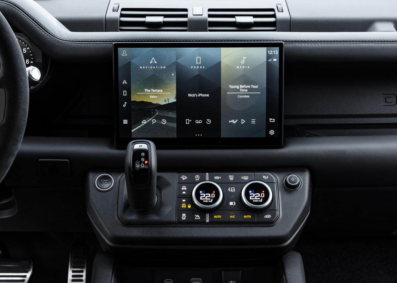 Defender V8 - Interior and Detail Images