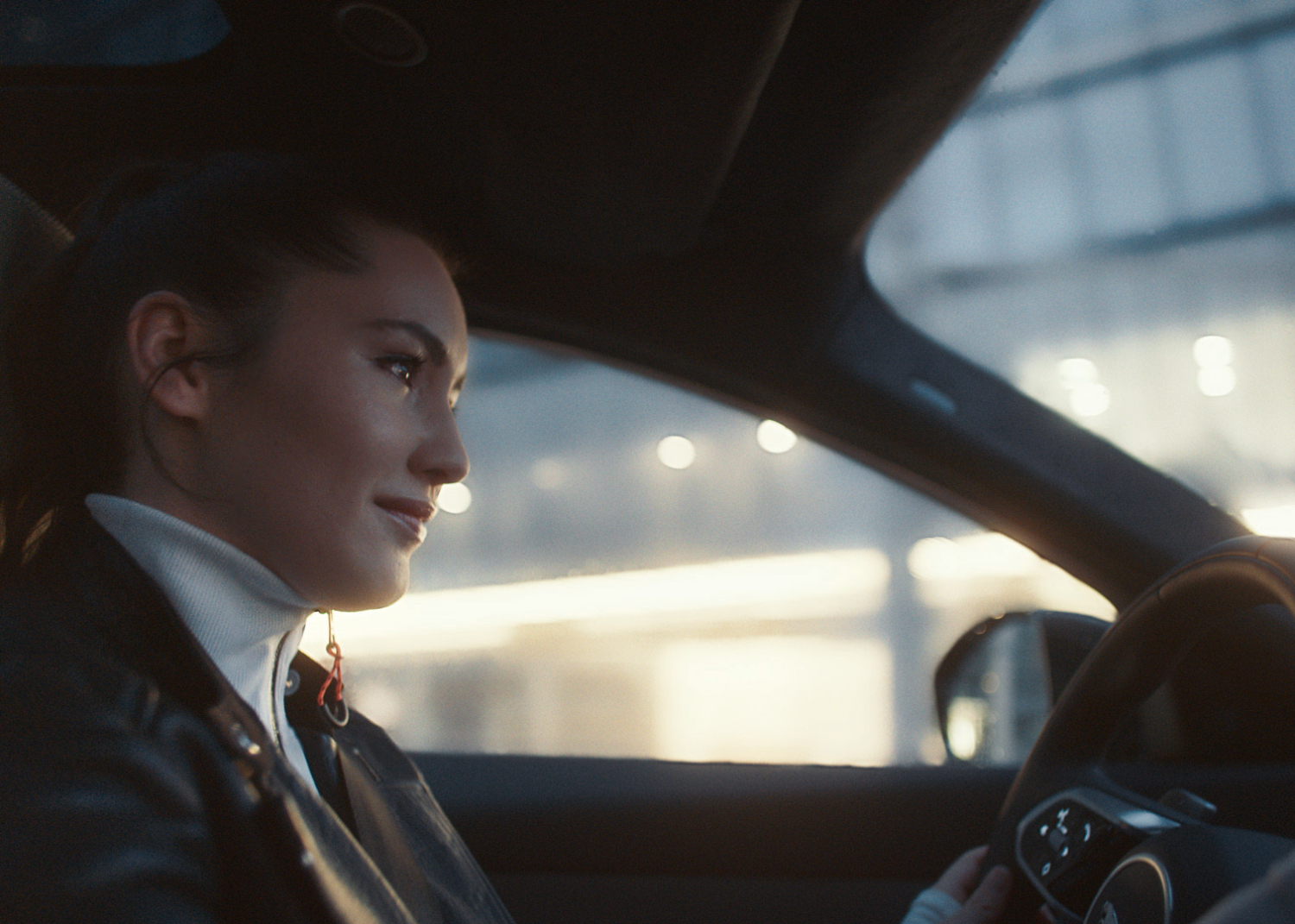 Jaguar Celebrates Fearless Creativity with New E-pace Campaign - Image 1