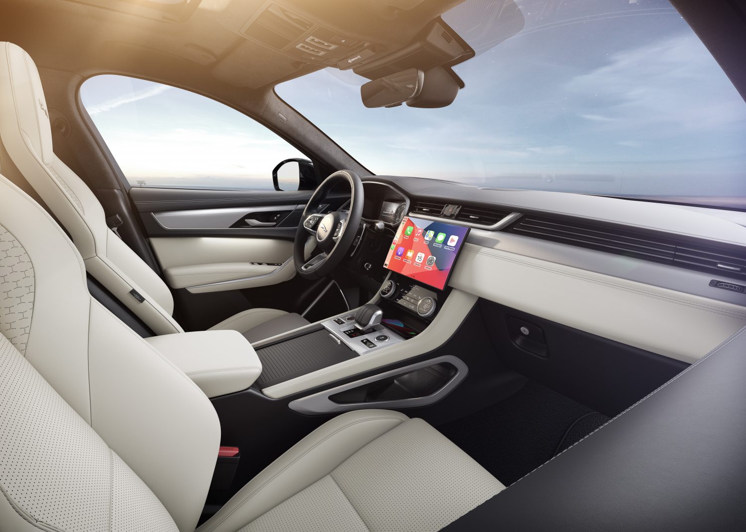 F-PACE R-Dynamic HSE - Hakuba Silver with Light Oyster interior