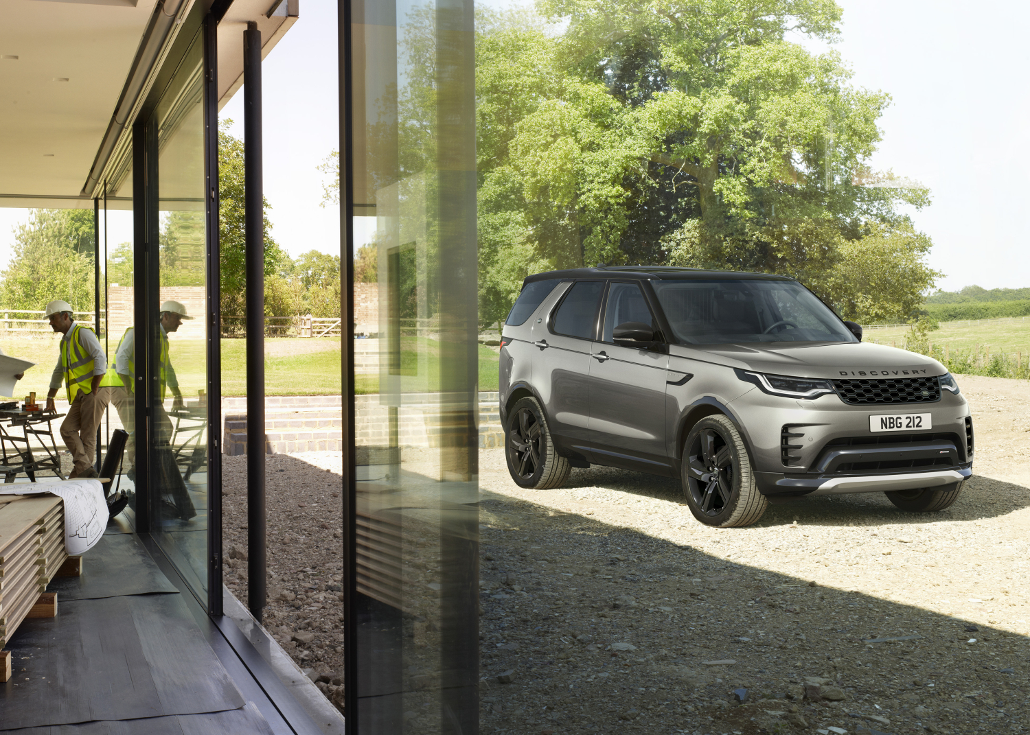 NEW DISCOVERY COMMERCIAL R-DYNAMIC