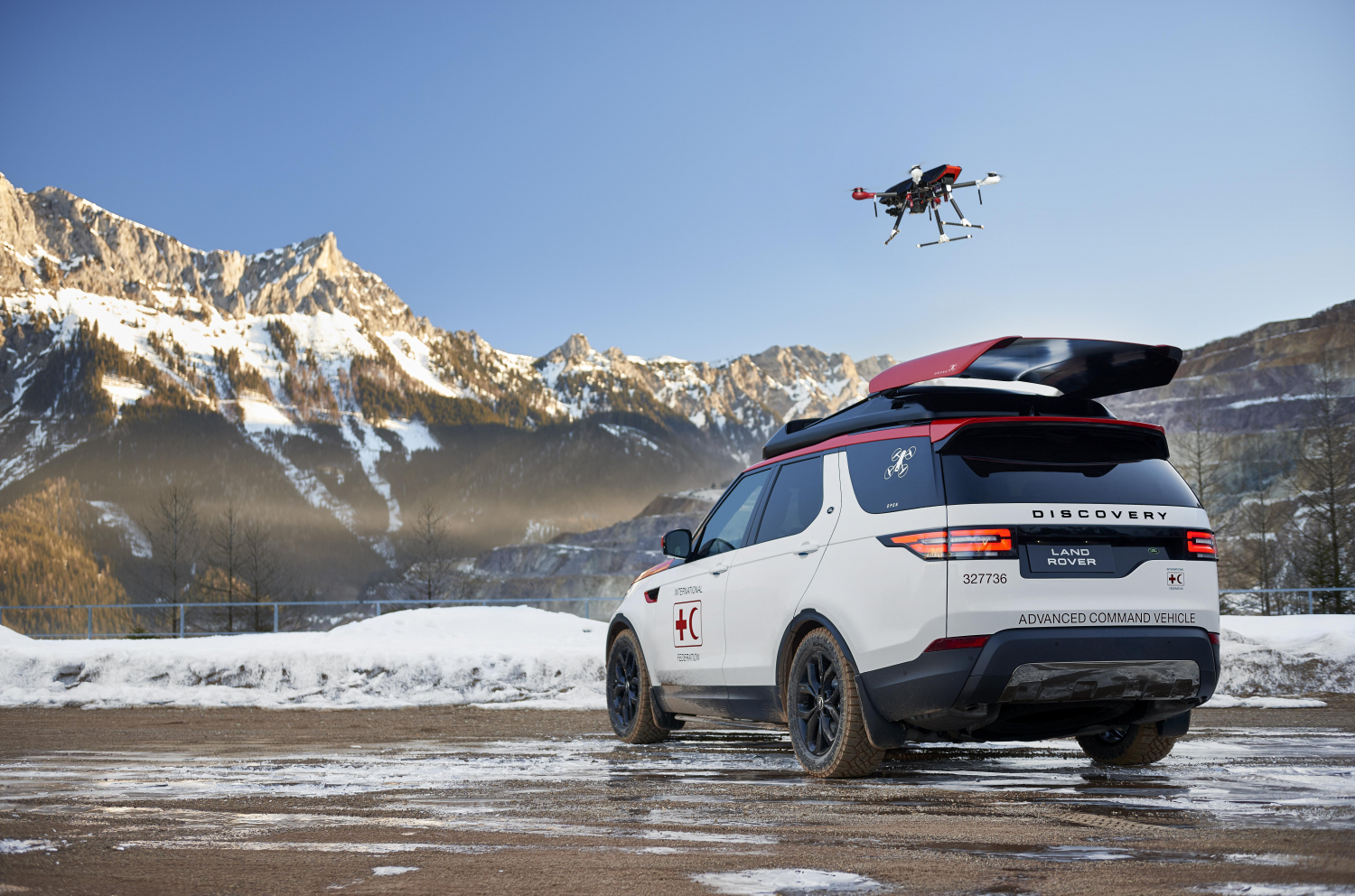 PROJECT HERO: NEW LAND ROVER DISCOVERY FEATURING WORLD-FIRST DRONE TECHNOLOGY CREATED TO HELP RED CROSS SAVE LIVES
