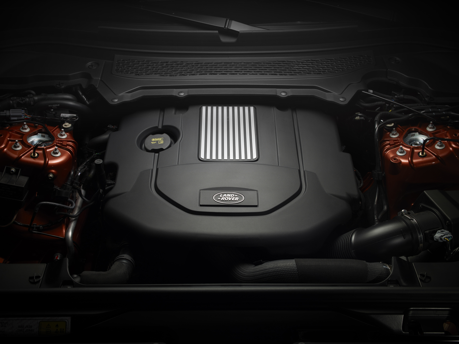 LAND ROVER REVEALS NEW DISCOVERY - ENGINE BAY
