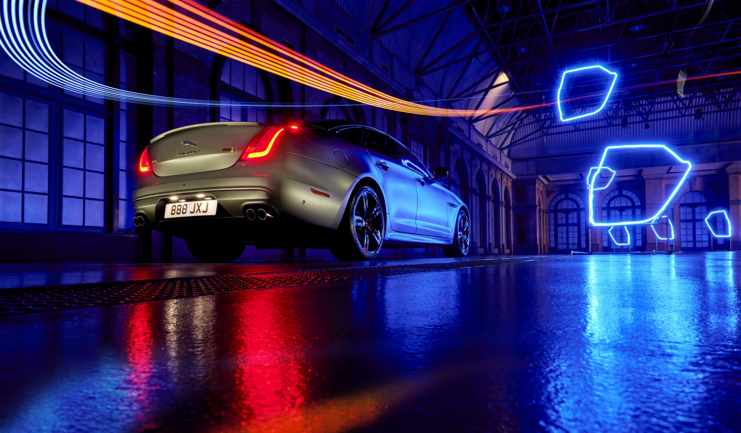 EMBARGOED UNTIL 0900 BST MONDAY 18 SEPTEMBER 2017  PLAY A GAME OF DRONES WITH THE JAGUAR XJ