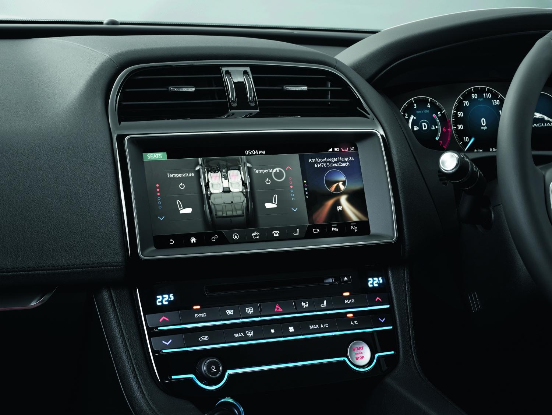 Jaguar Reveals the All-New F-PACE - Portfolio