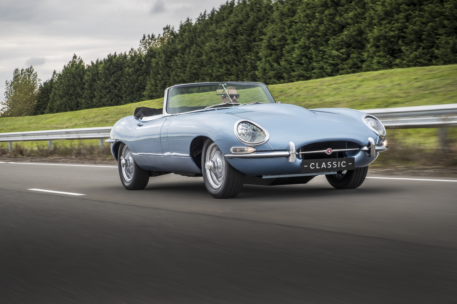 """JAGUAR E-TYPE ZERO: """"THE MOST BEAUTIFUL ELECTRIC CAR IN THE WORLD"""""""