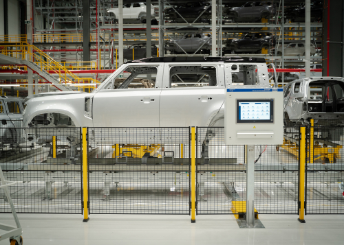 MANUFACTURING: THE NEW LAND ROVER DEFENDER
