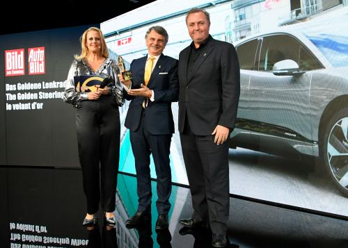 JAGUAR I-PACE WINS GOLDEN STEERING WHEEL AWARD FOR BEST SUV