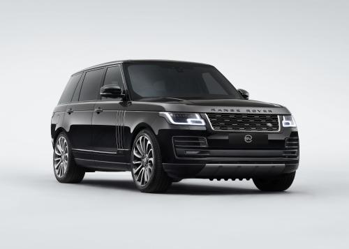 Range Rover SVAutobiography auf dem Weg zur Titelverteidigung
