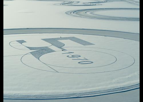 Le steering pad de 260 mètres de diamètre : œuvre de Simon Beck