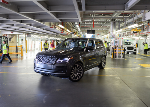 FIRST RANGE ROVER MADE UNDER SOCIAL DISTANCING MEASURES COMES OFF JAGUAR LAND ROVER'S SOLIHULL PRODUCTION LINE
