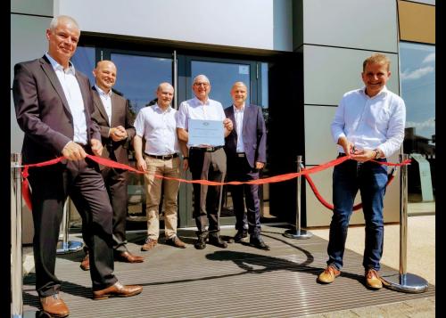 Von links nach rechts: Rainer Ohlenhard, Markus Kuberek, Lars Mühlenhort, Heino Mühlenhort, Hendrik Mühlenhort, Oberbürgermeister von Schwerin Dr. Rico Badenschier