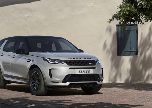 Neuer Land Rover Discovery Sport noch vielseitiger und effizienter:  leistungsstarke, saubere Motoren und neues intuitives Infotainment