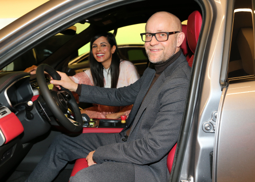Neueröffnung des Jaguar Land Rover Autohauses am Ku'damm