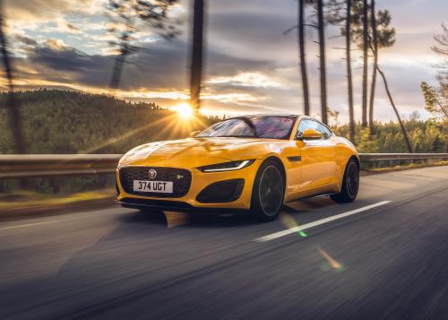 Jaguar F-TYPE R Cabrio siegt bei den Sport Auto Awards 2020