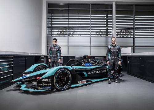 Jaguar Racing enthüllt seinen neuen Formel E-Rennwagen, den Jaguar I-TYPE 5 - Bilder