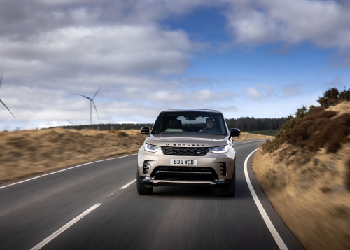 Land Rover Discovery R-Dynamic - On-road driving