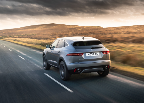 NEUER JAGUAR E-PACE 21MY P250 AWD MHEV IN EIGER GREY