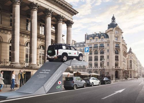 Land Rover Defender x La Croix Rouge