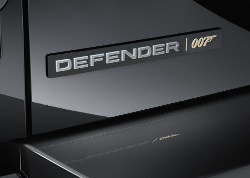 EXTERIOR DETAIL - DEFENDER V8 BOND EDITION