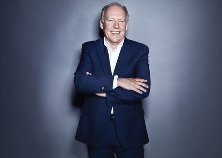 LEGENDARY JAGUAR DIRECTOR OF DESIGN IAN CALLUM DEPARTS AFTER 20 YEARS; JULIAN THOMSON NAMED AS SUCCESSOR