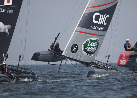 Land Rover Bar Dig Deep To Win In Oman